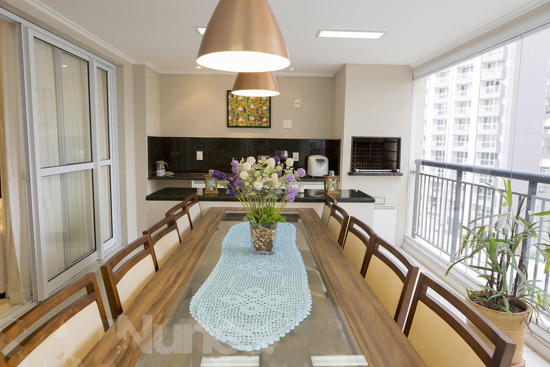 Apartamento de 163 m², todo mobiliado, extensa varanda de 22 m², c/churrasqueira