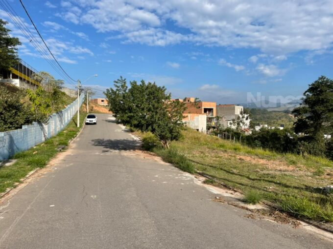 Terreno com 125 m², no bairro Jd. Marambaia, em Jundiaí